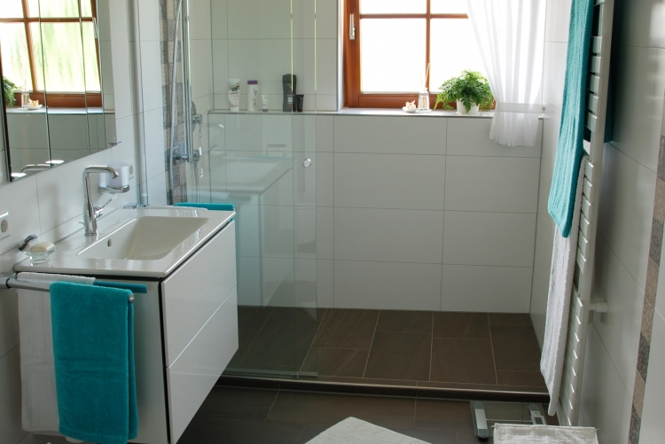 Altersgerechtes Bad Mit Begehbarer Dusche